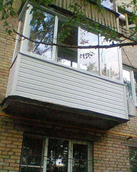 Цены застеклить балкон с отделкой под ключ.