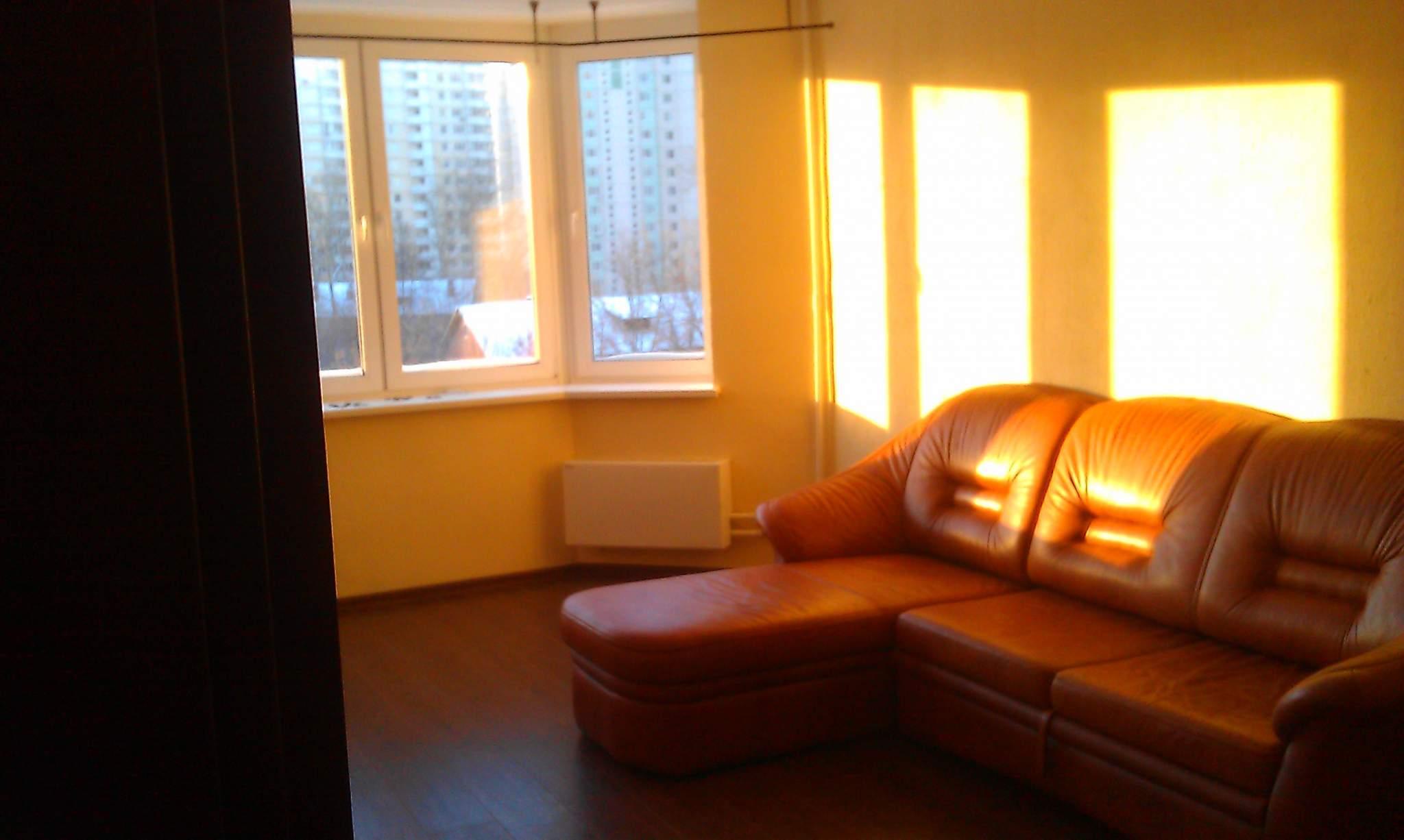 Сдам однокомнатную квартиру на 4 этаже с мебелью на длительн.