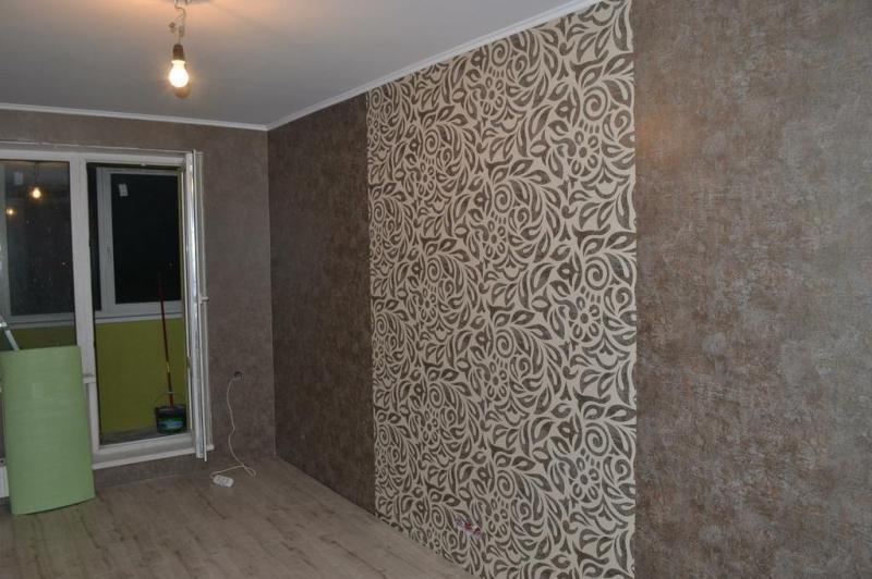 Дизайн стен обоями двух видов фото