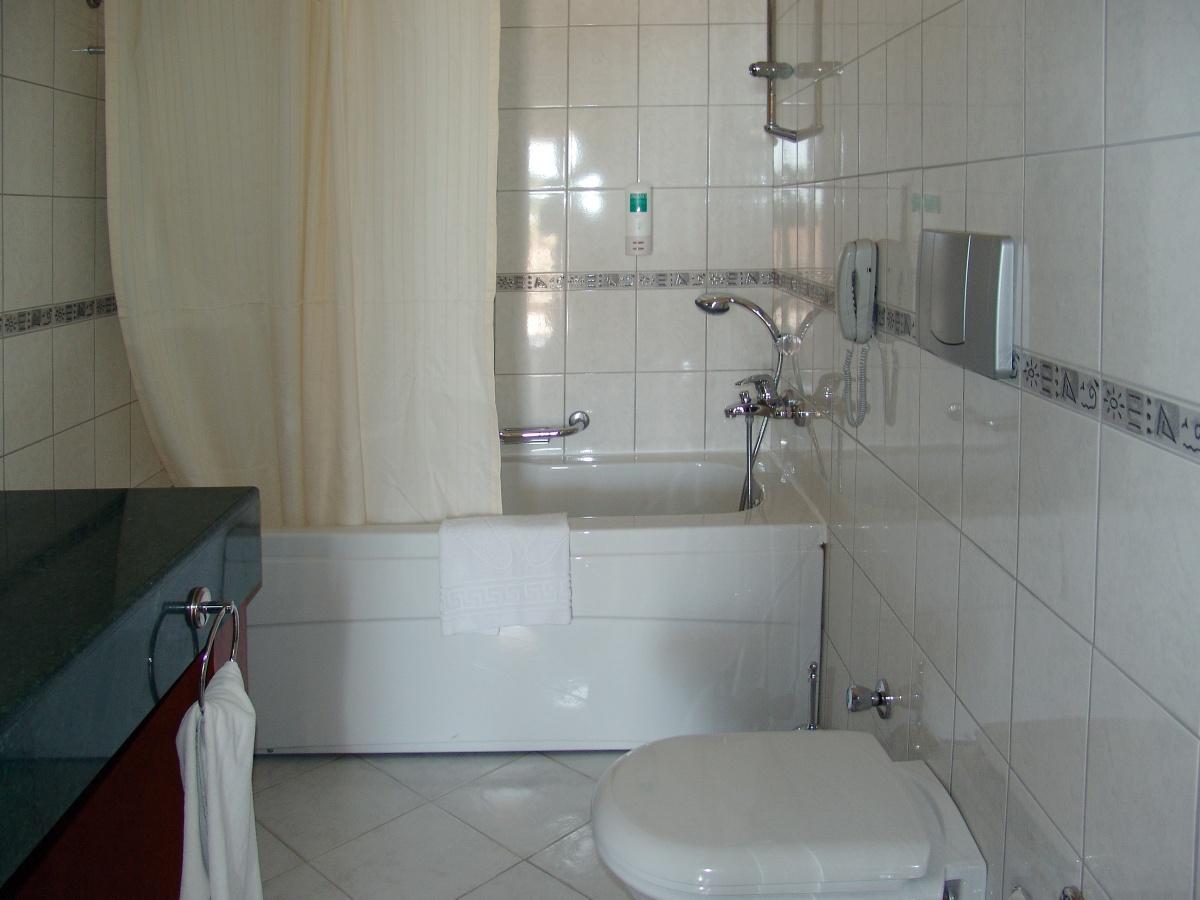 Совмещенный туалет с ванной дизайн