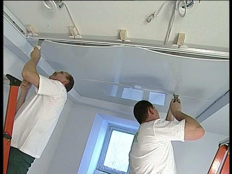 Кто делал натяжные потолки своими руками