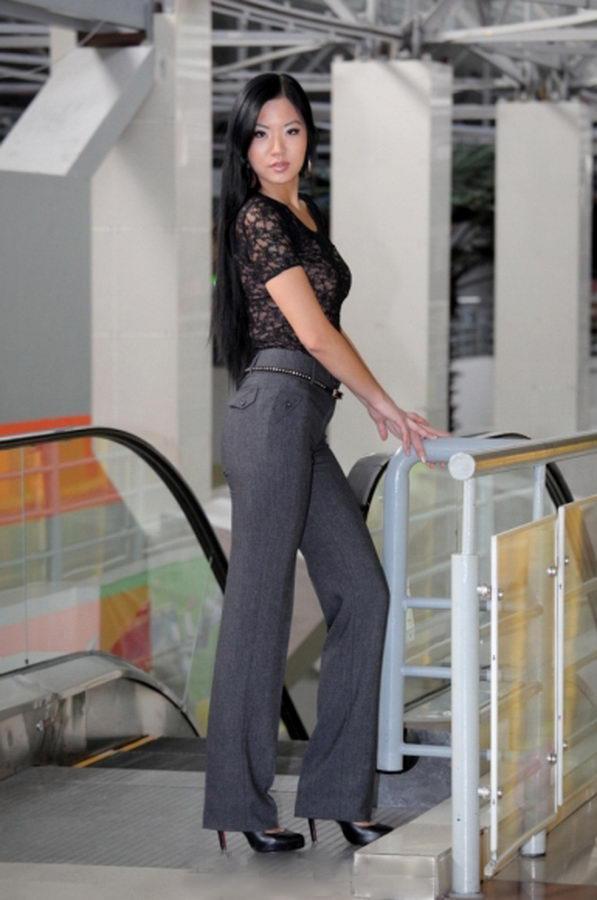 Продаем женские брюки оптом из Киргизии Москва.